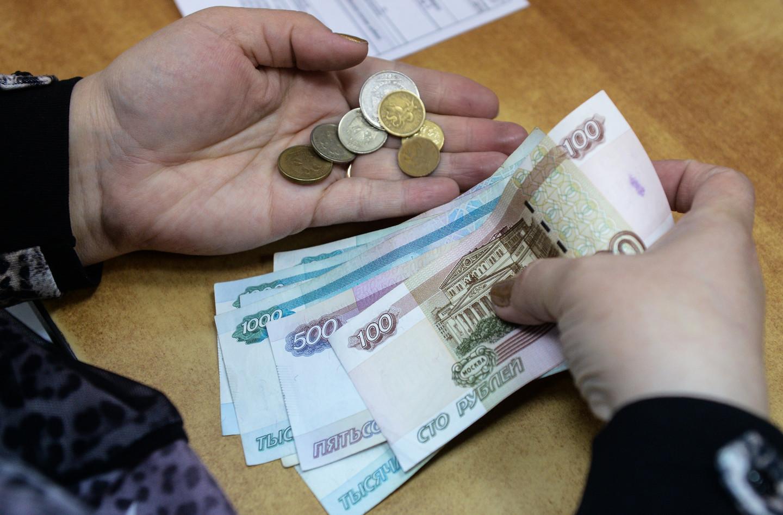 Законопроект о сохранении за гражданами-должниками ежемесячных доходов на уровне не ниже МРОТ поддержан в правительстве