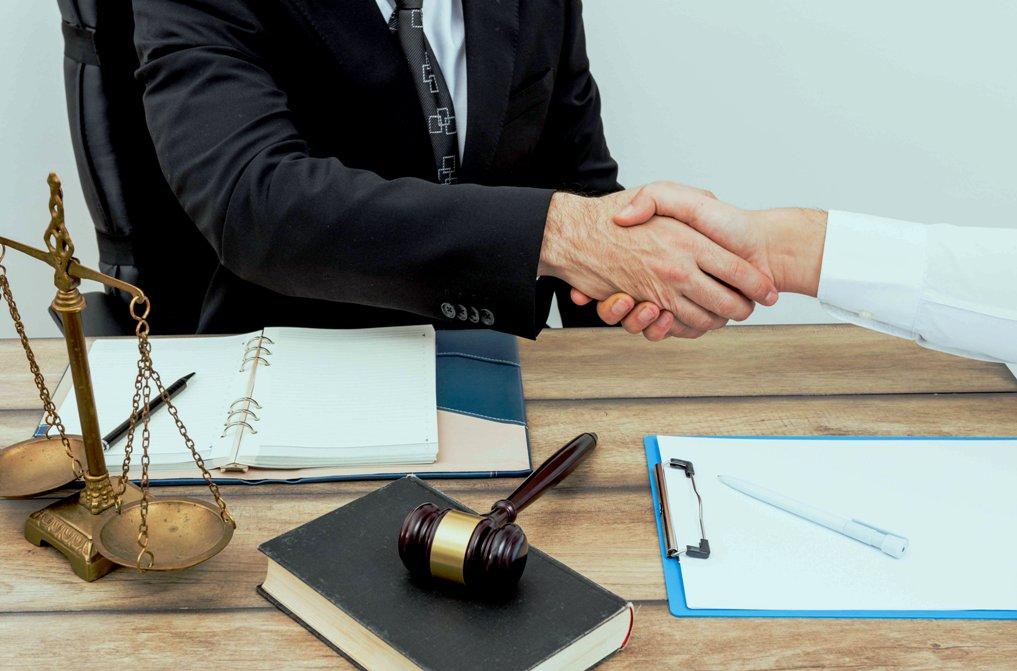 В России принят закон о внесудебной процедуре банкротства физлиц