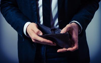 Быстро и дешево: юристы спорят о схемах упрощенного банкротства физлиц